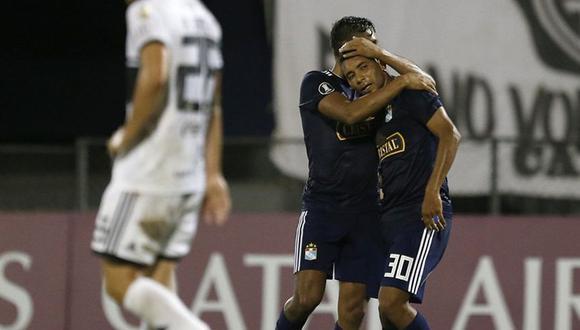 Cristian Palacios marcó el 1-0 en el Sporting Cristal vs. Olimpia en el marco de la jornada 6 de la Copa Libertadores (Foto: AP)