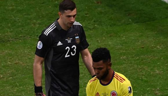 El exárbitro Javier Castrilli se refirió a las palabras y gestos del portero argentino. (Foto: AFP)