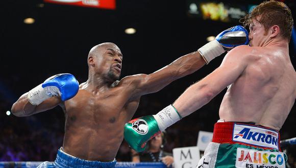 La única derrota que sufrió Canelo Álvarez fue en el 2013, a manos de Floyd Mayweather Jr. | Foto: AP