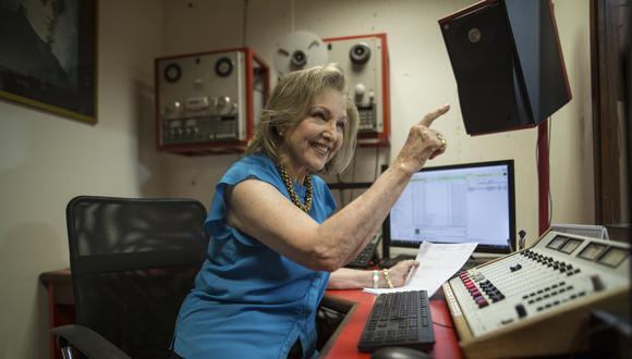 """Mifflin, infatigable, aún conserva entre sus más luminosos momentos de infancia la imagen de su padre delante de la radiola, dirigiendo con sus manos una orquesta imaginaria. Ella trabaja en la radio desde 1974, cuando concibió el programa """"Musiciana""""."""