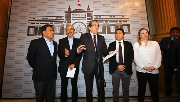 """La Célula Parlamentaria Aprista manifestó en conferencia de prensa que con lo declarado por Jorge Barata se prueba que el ex mandatario Alan García """"era inocente"""". (Foto: Agencia Andina)"""