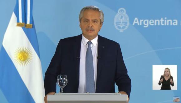 El presidente de Argentina, Alberto Fernández, anunció este jueves una dura profundización de las restricciones sanitarias ante el recrudecimiento de la segunda ola de la pandemia de covid-19. (Foto: Captura de video).