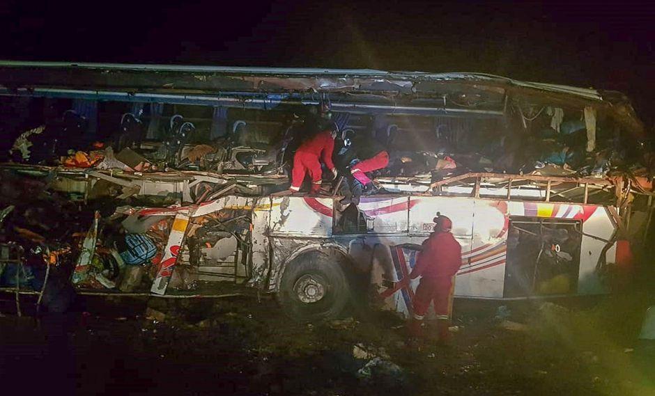 Bolivia: Al menos 24 muertos y 15 heridos en un accidente en la vía entre Oruro y Potosí. (EFE).