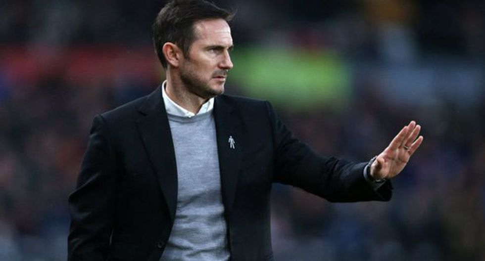 Después de que el Chelsea sufriera una humillante goleada (0-6) a manos del Manchester City, se rumoreó de que Frank Lampard estaría cerca de ocupar la zona técnica. (Foto: AP)
