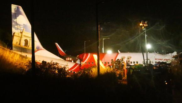 El avión de Air India Express se partió en dos en el momento del aterrizaje. (Foto: Favas JALLA / AFP).