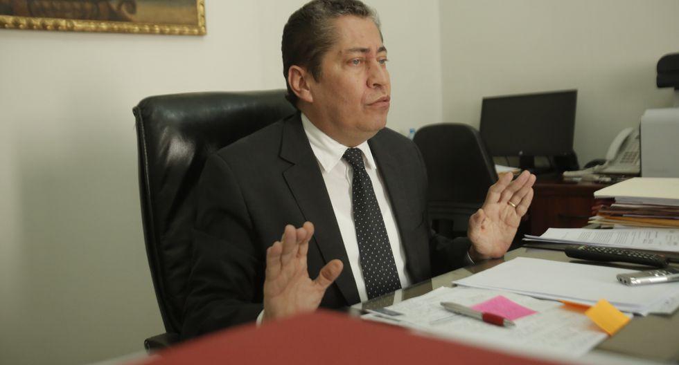 Eloy Espinosa-Saldaña negó haber agredido verbalmente a la secretaria general del TC. (Foto: Andina)