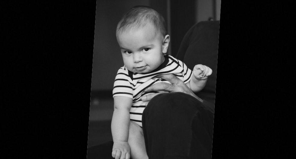 """""""Aquí mi #ArabeBoricuaRenn Martin-Yosef, el bebé de la casa. #BabyRenn #BabyBOY"""", escribió el cantante en su cuenta de Instagram para presentar a su hijo menor."""