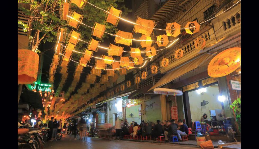 Hanoi. La capital de Vietnam es una parada ideal para comer barato. Aquí encontrarás platos a US$ 1,77, mientras que la comida más cara tiene un costo de US$ 17,74. (Foto TK Kurikawa / Shutterstock)