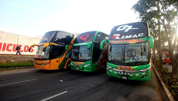 Gremio de transporte terrestre mostró su apoyo al grupo de transportistas de carga que acata un paro indefinido desde el 15 de marzo. (Foto: Felix Ingaruca / GEC)