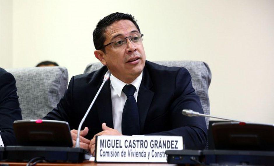 """Castro aseveró que existe voluntad """"tanto del presidente como de parte"""" de un sector de su bancada para """"tender puentes"""". (Video: Canal N / Foto: Archivo El Comercio)"""