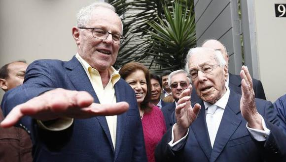 """""""Hoy nos dejó un gran peruano, un ejemplo de la política nacional que durante su larga trayectoria de servicio y entrega al país, promovió firmemente el respeto a la democracia"""", dijo el expresidente. (Foto: GEC)"""