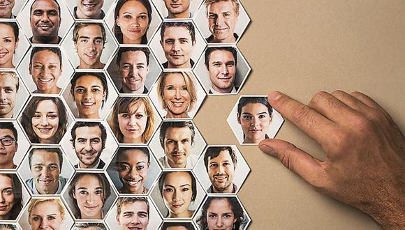 Cuando los grupos superan los 150 individuos necesitan de un sistema organizacional para funcionar de forma cohesionada.