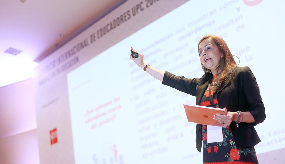 Mónica Morales, Decana de la Facultad de Educación de la Universidad Autónoma de Chile.
