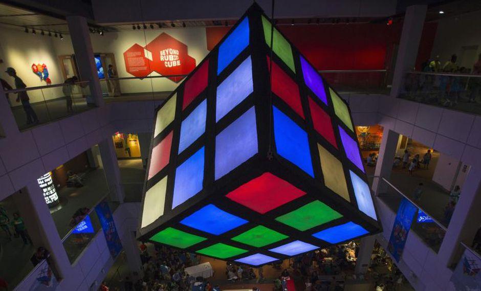 De un humilde rompecabezas a un fenómeno, el cubo de Rubik ha fascinado a miles. (Foto: Reuters)