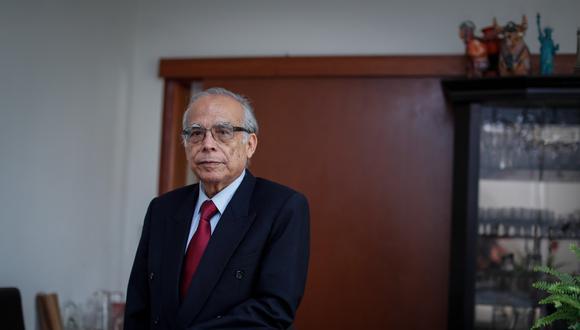 """""""Perú Libre se sujeta a los que resuelvan los órganos de justicia electoral"""", sostuvo el asesor legal de Perú Libre, Aníbal Torres. (Foto: Hugo Pérez)"""