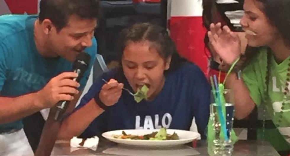 Twitter: críticas por escolar que comió cucarachas en programa - 1