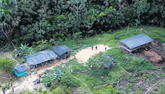 Cerca de la frontera con Colombia, abundan los laboratorios de producción de drogas, llamados fincas. Estos se esconden en el monte para evitar ser captados por las fuerzas del orden. (Foto: Ministerio de Defensa)