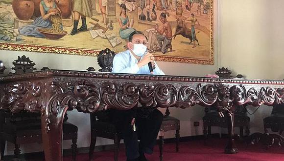 """""""Cuando revisé los contratos, este señor [Richard Cisneros] no reunía los requisitos y las condiciones para dar ese tipo de órdenes de servicio"""", indicó Alarcón. (Foto: GEC)"""