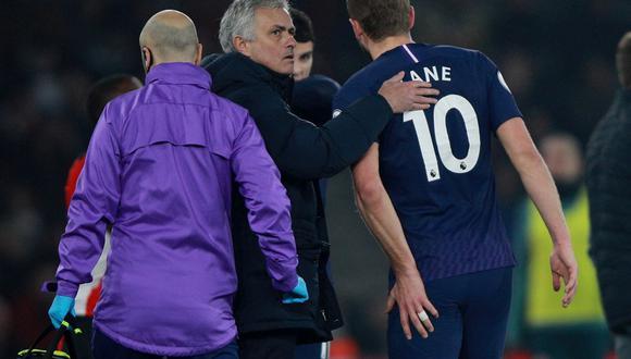 Harry Kane abandonó el campo de juego por una lesión | Foto: Reuters