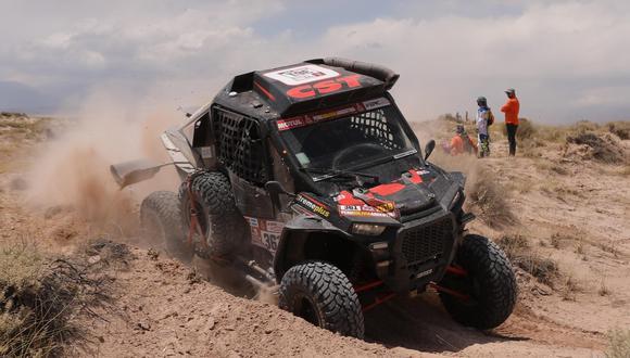 El piloto francés de Polaris ganó la décima tercera etapa de Dakar 2018, mientras que el brasileño Reinaldo Varela se afirma en el liderato de la clasificación general en UTV'S a un día del final. (Foto: EFE)