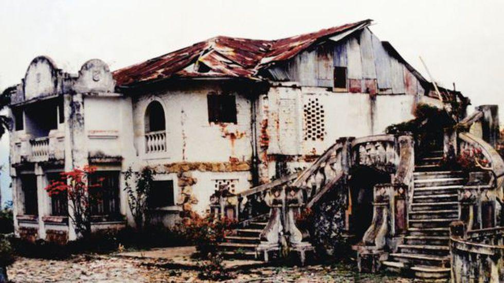 El hotel envejeció abandonado durante décadas.