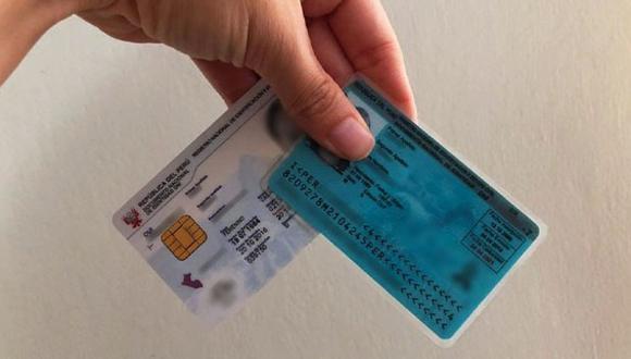 Para realizar el trámite de retiro de hasta S/ 17,600 de la AFP, el usuario debe tener a la mano su DNI y puede utilizarlo aún si está vencido | Foto: Andina / Referencial