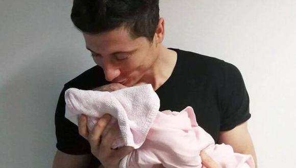 Lewandowski se convierte en papá y se muestra feliz con su niña