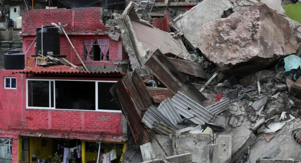 Vista de los daños luego de un deslizamiento de tierra en el Cerro del Chiquihuite casas enterradas en la zona, en el municipio de Tlalnepantla de Baz, en las afueras de la Ciudad de México, México. (REUTERS / Edgard Garrido).