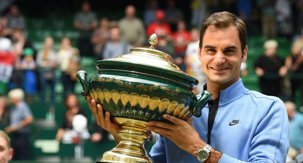 Roger Federer conquistó por novena ocasión el Torneo ATP sobre hierba de Halle (Alemania) tras vencer sin problemas al joven alemán Alexander Zverev. (Foto: AFP)