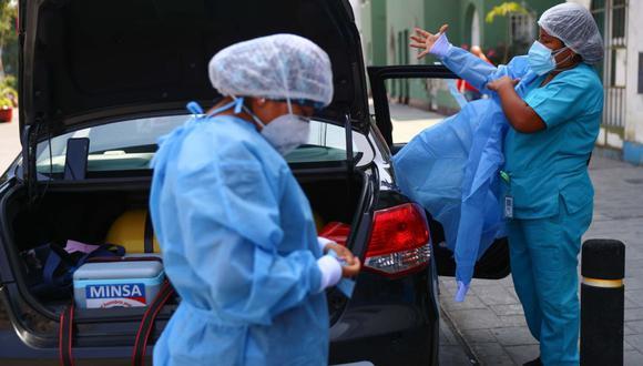 El Colegio Médico del Perú señaló que se deben liberar las licencias de todos los medicamentos del COVID-19, incluidas las vacunas.  (Hugo Curotto / @photo.gec)