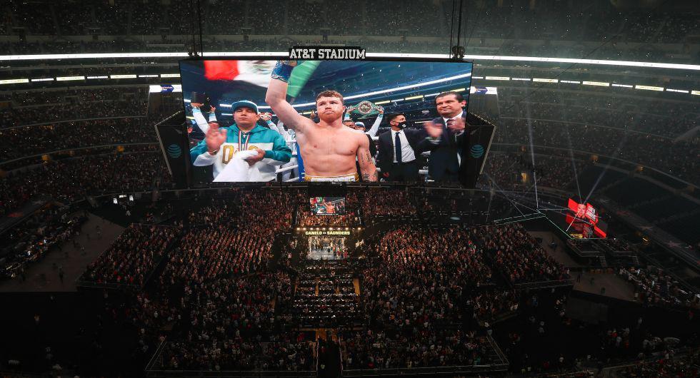 Más de 73 mil personas presenciaron la pelea de 'Canelo' Álvarez versus Saunders. (Foto: AFP)