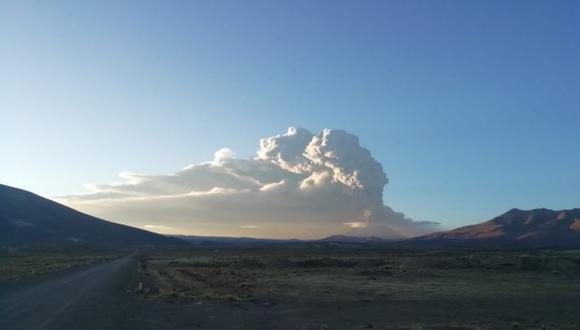 El registro de anomalías en diversos parámetros geofísicos estarían asociados al ascenso de magma, a la presencia de un cuerpo de lava en la superficie del cráter y al aumento de la energía sísmica. (Foto: IGP)