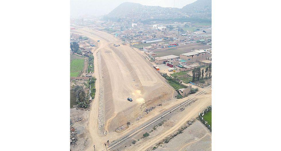 Las obras de la autopista Ramiro Prialé debieron culmimar en diciembre de 2017 (Bryan Albornoz / El Comercio)