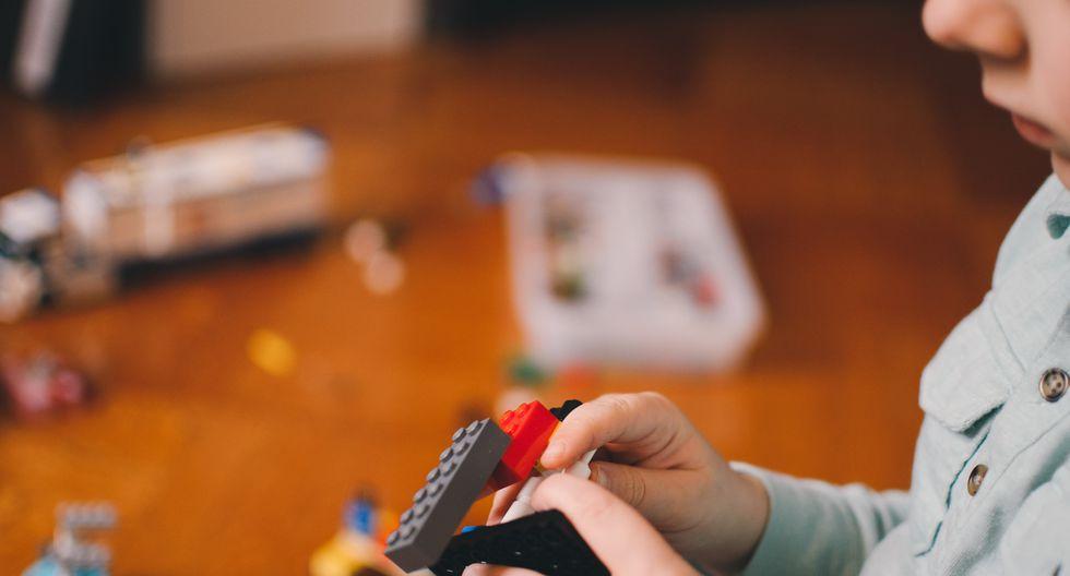 ¡Mamá, me aburro!: una guía para organizar los días que quedan por delante sin salir de casa