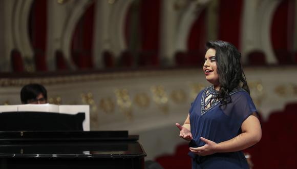 """Sara Sedano es considerada la primera cantante lírica soprano del Perú. """"Nos gustó muchísimo tu audición y queremos que vengas para ser solista"""", fueron las palabras de Iñaki Encina, director del Festival Perigord Noir, que dirigirá dos óperas en la Opera Nacional de París."""