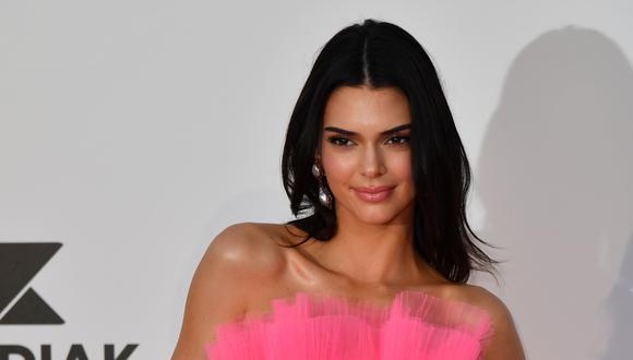 Kendall Jenner pasa sus días de cuarentena jugando videojuegos. (Foto: AFP)