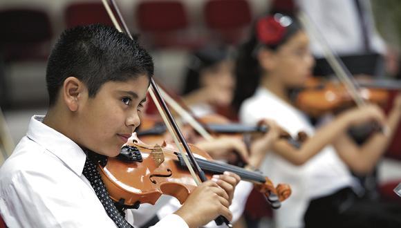 Los niños que tocan un instrumento tienen mayores facilidades de aprendizaje y desarrollo.