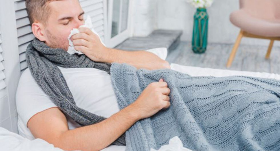 Si no tienes un termómetro a la mano, estos trucos pueden ayudar a reconocer tu estado de salud (Foto: Freepik)