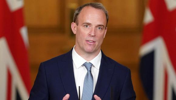 Imagen de una conferencia de prensa del entonces ministro de Relaciones Exteriores, Dominic Raab. (AFP).