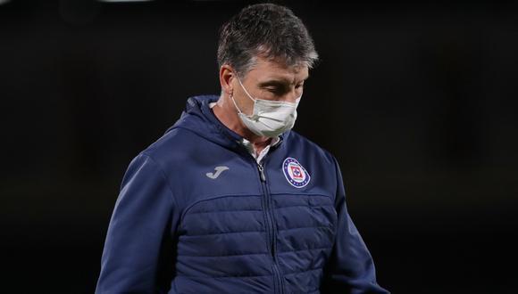 Robert Dante Siboldi no seguirá más como director técnico de Cruz Azul | Foto: REUTERS