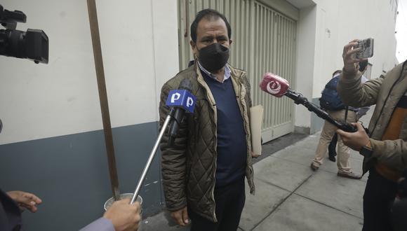 Edgar Tello, congresista de Perú Libre, declaró a la prensa tras la sesión solemne del Congreso. (Foto: archivo GEC)