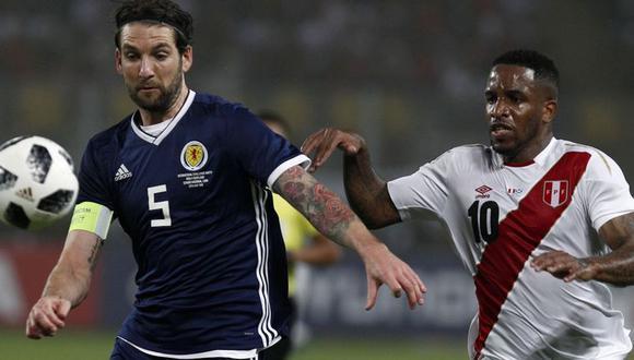 Diversos portales de Escocia reconocieron que Perú fue ampliamente superior en el duelo amistoso desarrollado en el Estadio Nacional. Uno de ellos comparó la actuación del portero Jordan Archer con la de Loris Karius, golero del Liverpool. (Foto: AP)