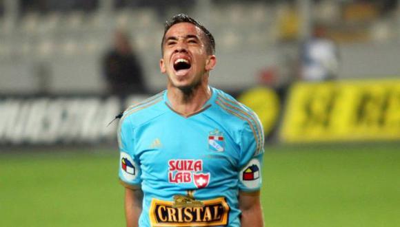 Cristal fue contundente y goleó 3-0 a Universitario