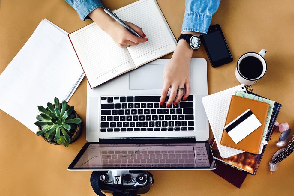 El horóscopo trae nuevas predicciones que podrían darte luces acerca de cómo actuar este mes para afrontar el trabajo. (Foto: Shutterstock)