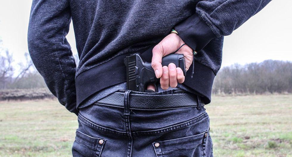 ''El sospechoso vestía una sudadera con capucha de color oscuro, jeans y zapatos negros.'' señalaba la publicación en Facebook, realizada por el Departamento de Policía de Moberly.
