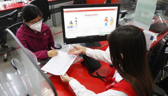 Personas deben registrarse para postularse a puestos de trabajos ofertados en la plataforma virtual Empleos Perú del MTPE. (Foto: GEC)