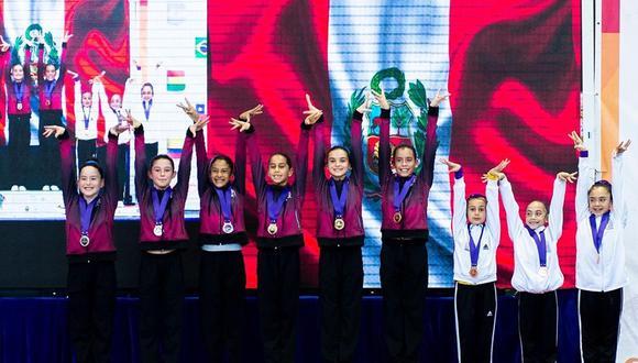 La delegación peruana consiguió 15 medallas en torneo de gimnasia aerobica disputado en Colombia.