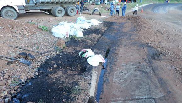 OEFA toma muestras de derrame de petróleo en Jaén