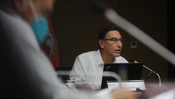 En la sede del COEN, el ministro Victor Zamora participó en una reunión con el presidente Martin VIzcarra (Foto: Minsa)