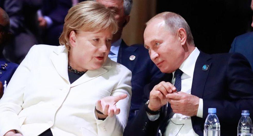 Angela Merkel pide a Vladimir Putin distensión y diálogo en conflicto con Ucrania. (AFP)